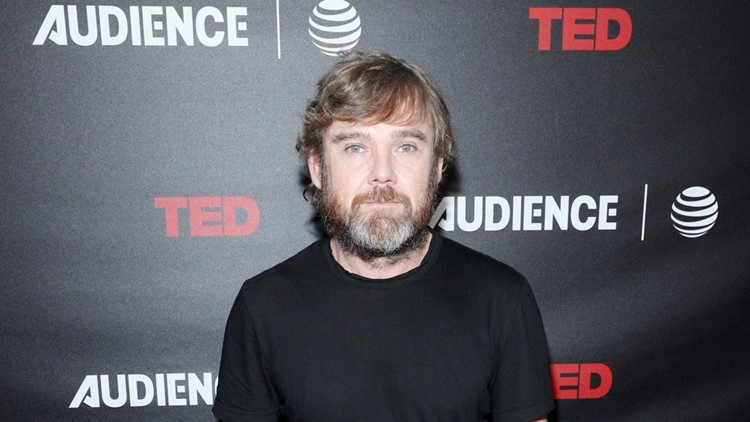 Ricky Schroder Apologizes to Costco Employee After Posting Their Confrontation About Masks
