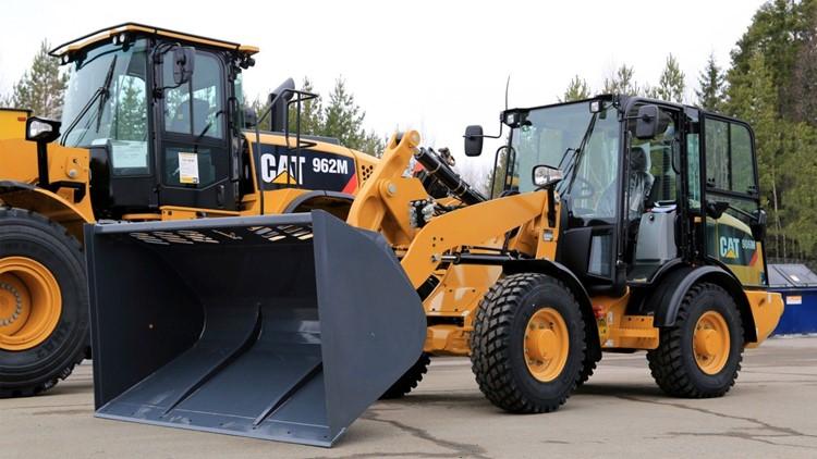 caterpillar-earth-movers-tractors-e1460991377232.jpg