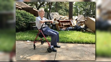 Volunteers help WWII vet recover from flood damage
