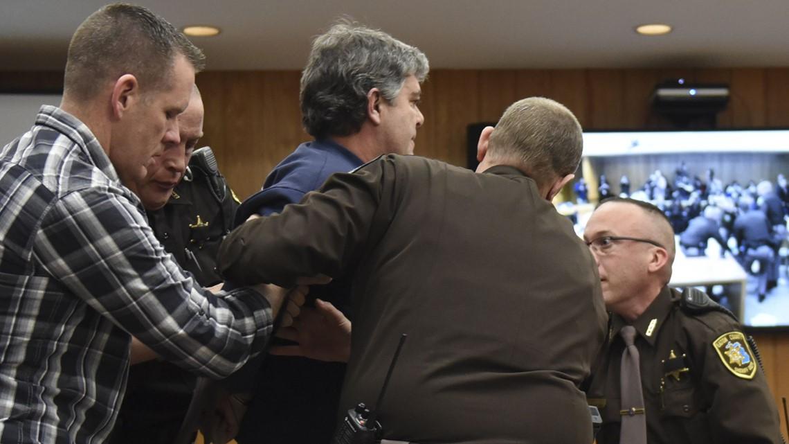 judge won u0026 39 t punish father who tried to attack larry nassar