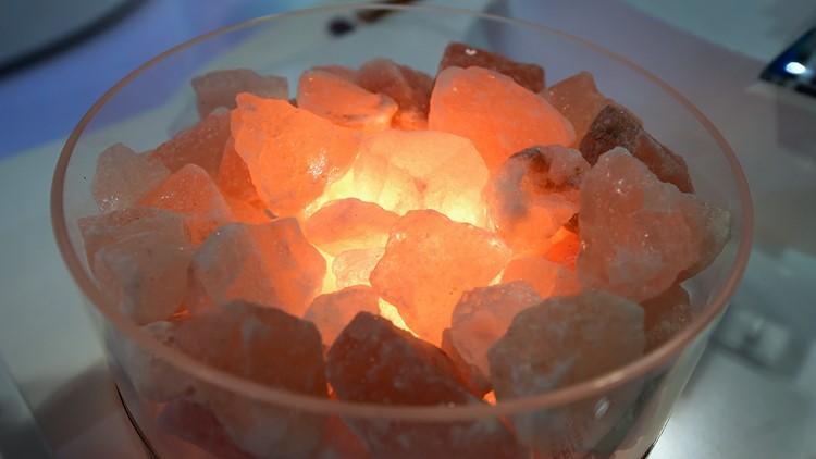 Himalayan salt lamp 2017 CES