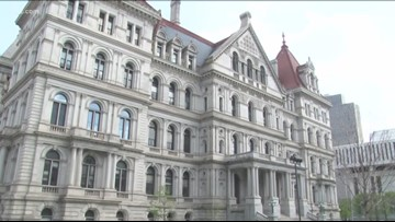 NY lawmakers work to finish state budget on time