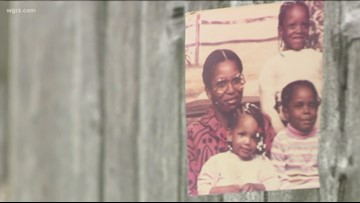 Unsolved: 3 daughters search for mother after 1995 disappearance