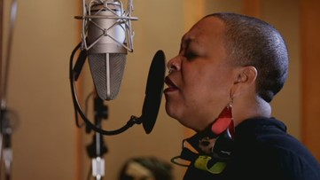 Drea d'Nur sings from her soul