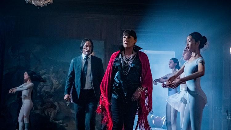 John Wick (Keanu Reeves) and Director (Anjelica Huston) n JOHN WICK: CHAPTER 3 - PARABELLUM.