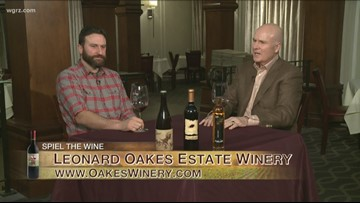 Kevin is joined by Jonathan Oakes to discuss Local Climate Effect of Local Wine