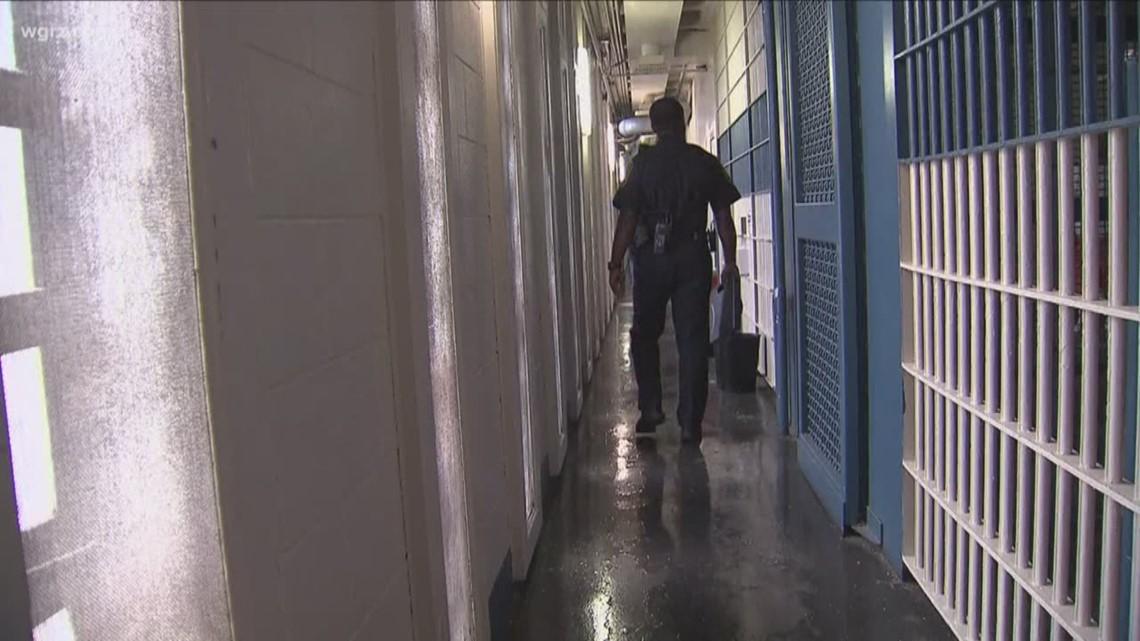 Cuomo: Felons in prison should not vote