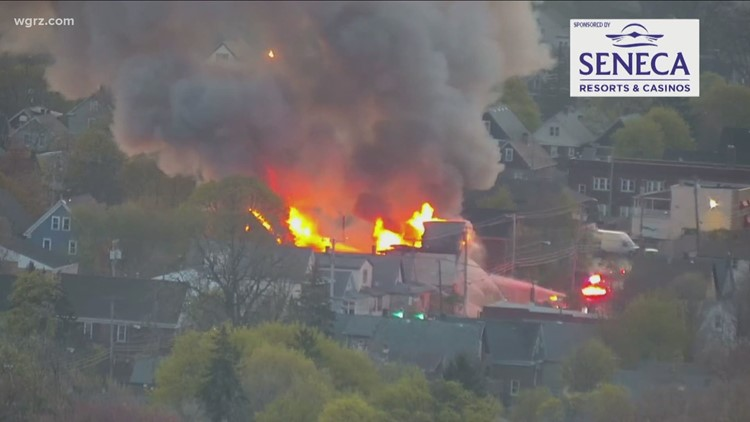 Firefighters respond to massive fire in Niagara Falls