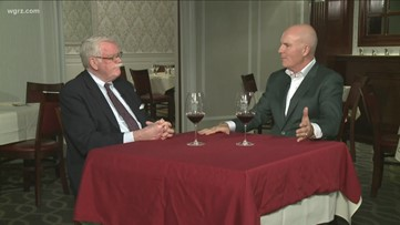 Kevin is joined by Bob Leighton to discuss how Bordeaux differs from California