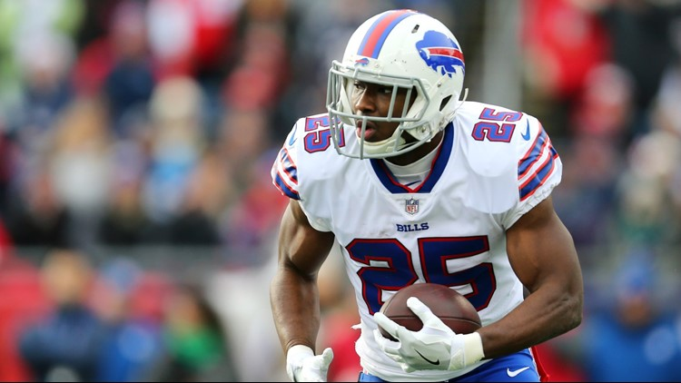 CB quits at halftime as Bills lose to Chargers in Allen's debut