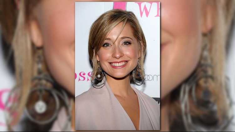 Allison Mack freed to parents on $5 million bail