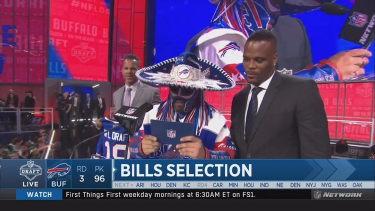 Legendary fan 'Pancho Billa' announces draft pick