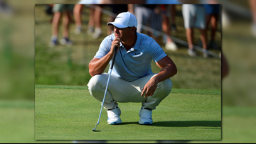 Koepka Leads PGA By 2 Strokes