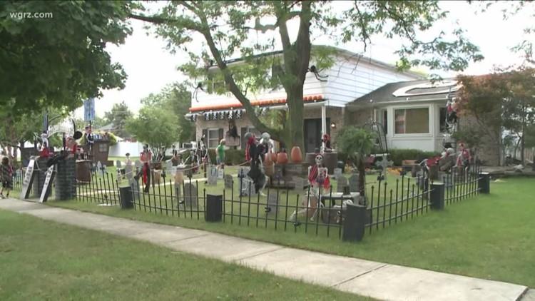 Williamsville Halloween House