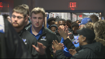 Bulls get sendoff from fans for MAC title game