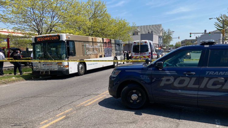 Elderly man dies after getting off Metro bus and falling