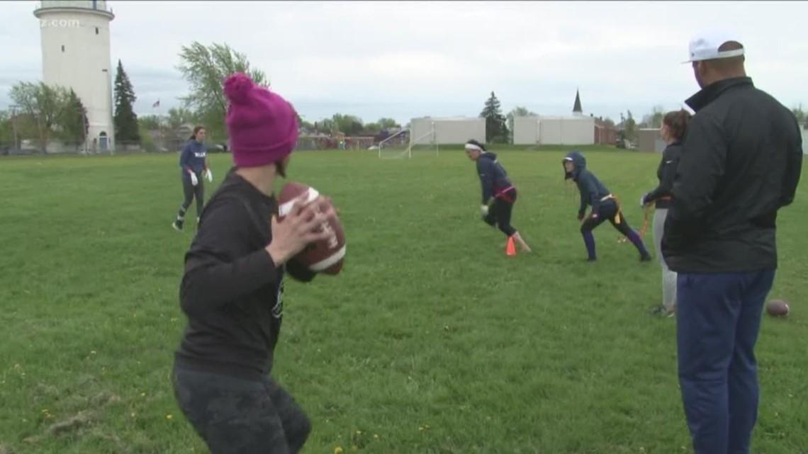 Bills linebacker helps women's flag football fundraiser