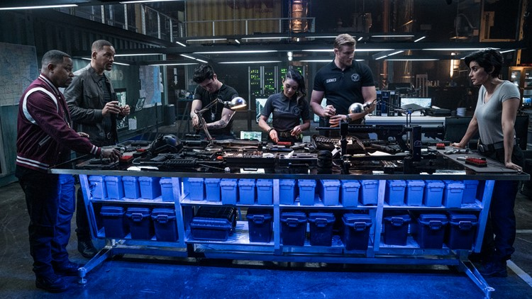 Mike Lowrey (WILL SMITH), Rita (PAOLA NUNEZ), Marcus Burnett (MARTIN LAWRENCE), Dorn (ALEXANDER LUDWIG), Rafe (CHARLES MELTON), Kelly (VANESSA HUDGENS are prepping with new non-lethal weapons in Columbia Pictures' BAD BOYS FOR LIFE.