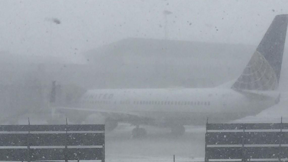 flight departing buffalo hits jet bridge