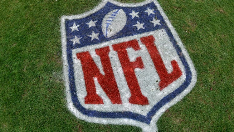 Vaccinated NFL players, coaches now mask free
