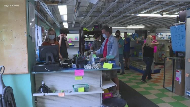 Niagara Aquarium pet store closing