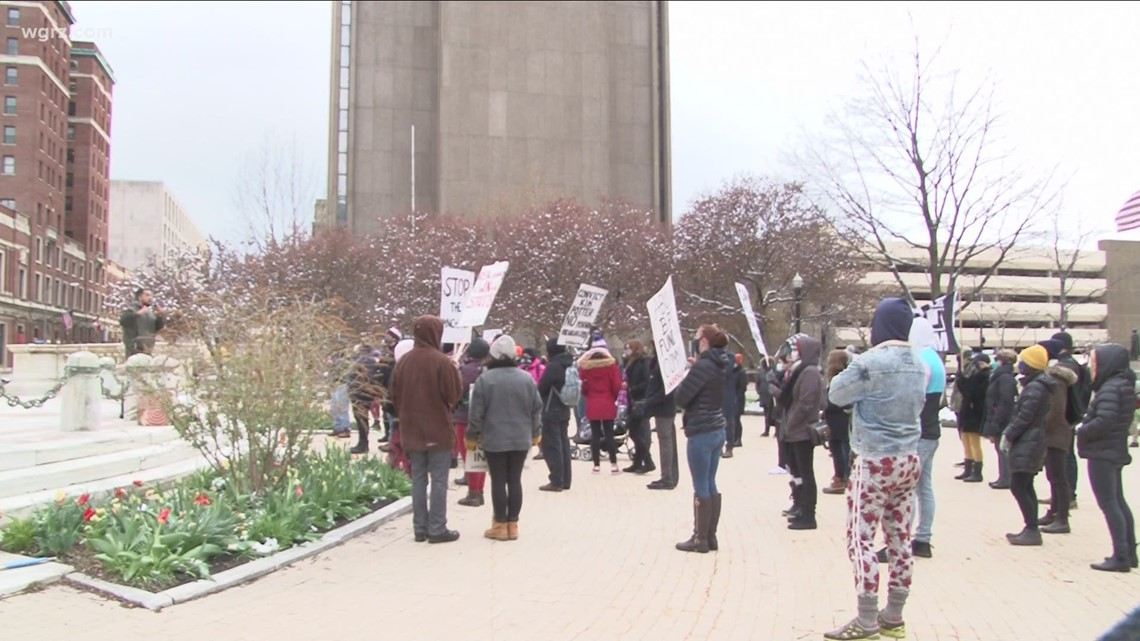 Call for peace rally held Wednesday at Niagara Square