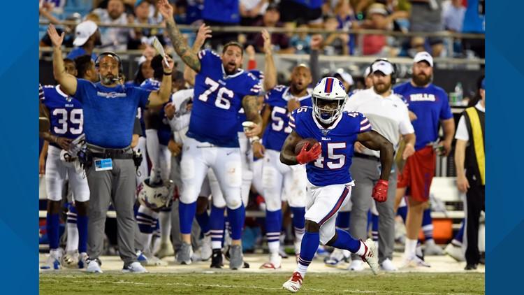 Josh Allen starts hot, leads Bills to victory in Carolina