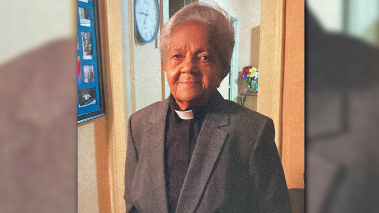 Funeral held for beloved, pioneering Hispanic religious leader on West Side
