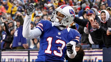 Stevie Johnson offers to let Pancho Billa read his pick at NFL Draft