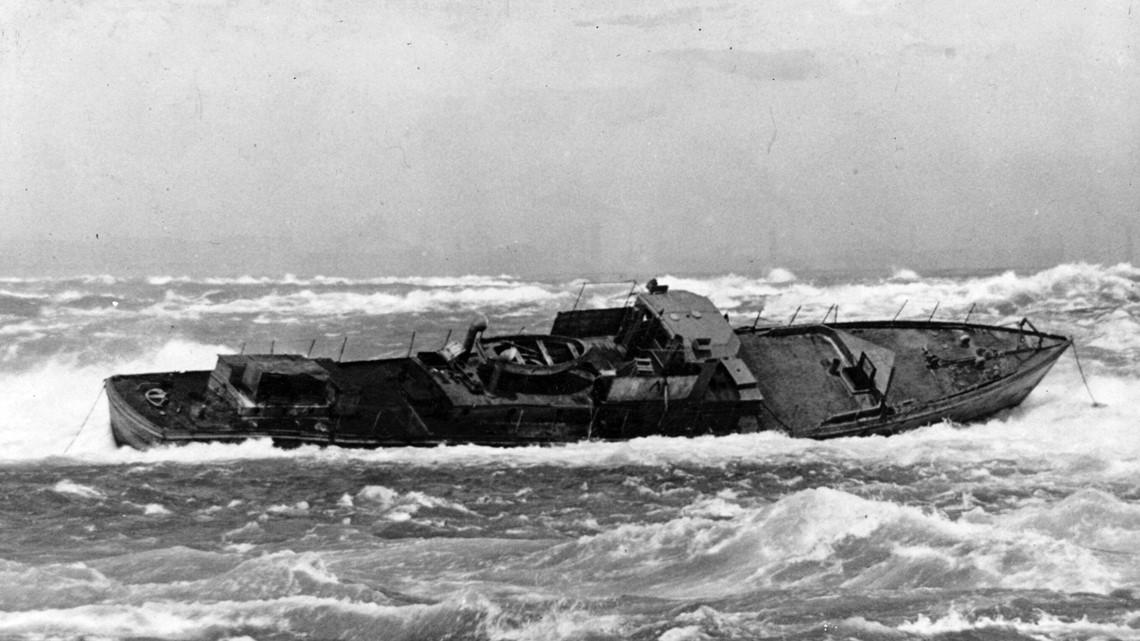 Severe weather pushes historic iron scow towards Niagara Falls   wgrz.com