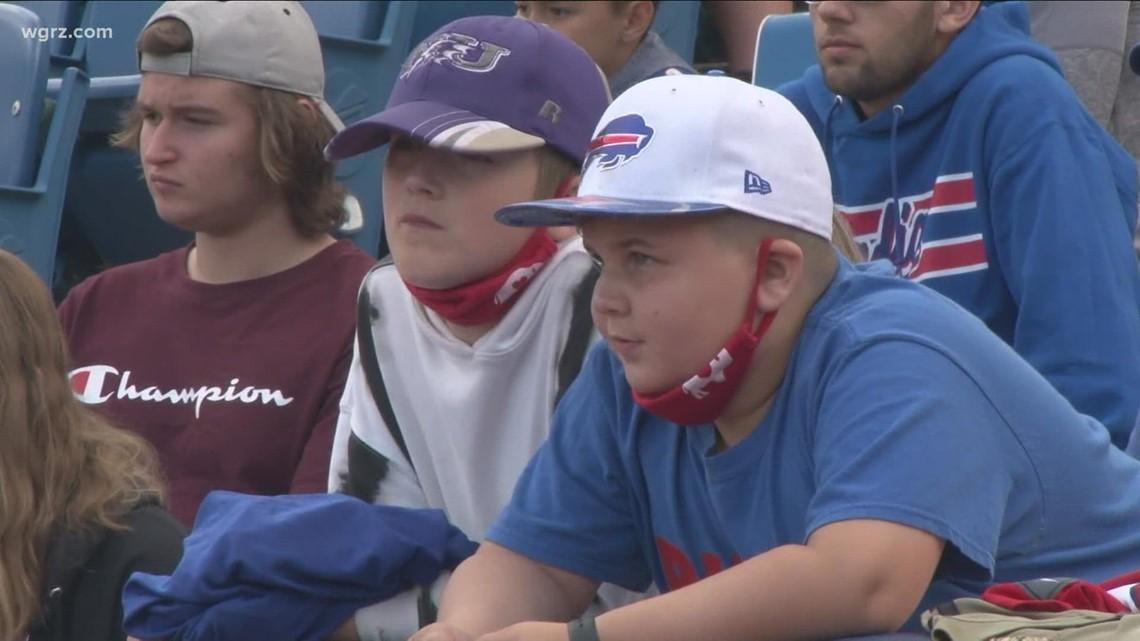 Bills fans get back to open practice