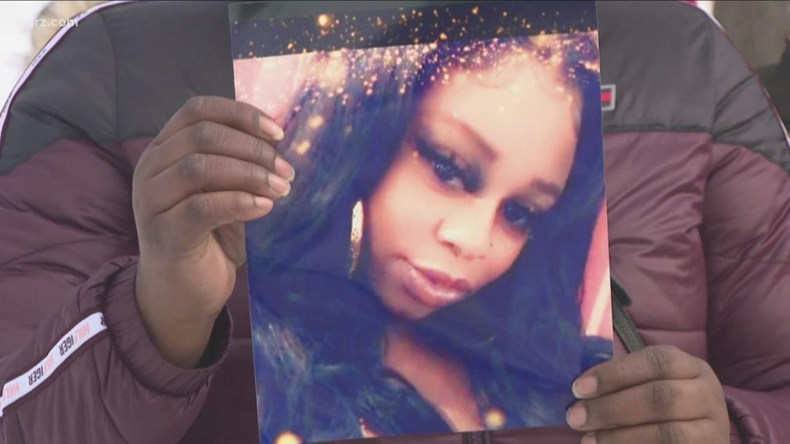 Crime Stoppers offers reward for information on Tiara Lott homicide case