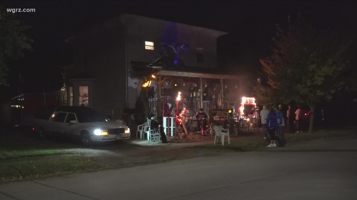 Halloween house an impressive sight in Albion