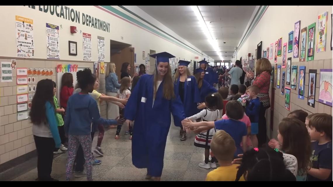 Ken-Ton elementary students cheer on 2019 graduates