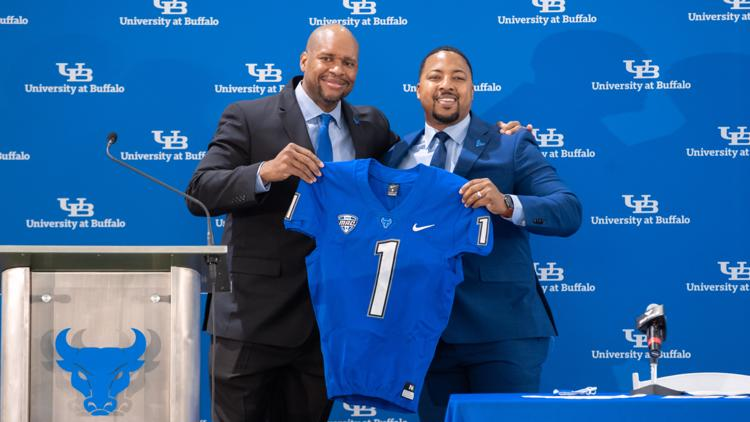 Buffalo rewards AD Mark Alnutt with 5-year contract extension