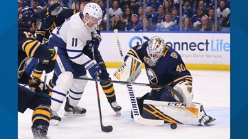 Sabres score 3 quick 3rd-period goals, top Maple Leafs