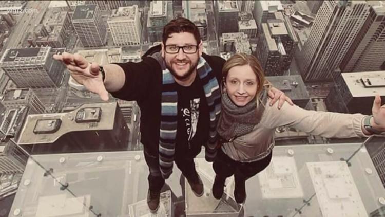 Buffalo man surprises girlfriend with Dyngus Day proposal