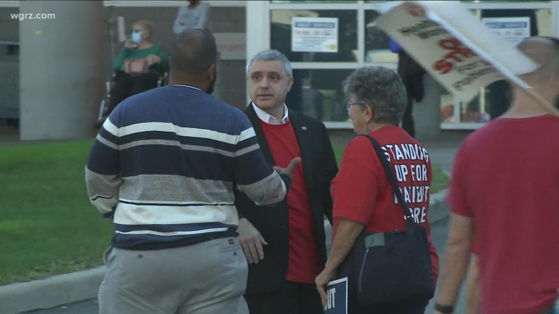 Lawmakers, Union Leader Join CWA Strikers