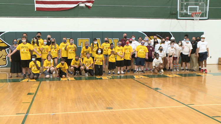 Williamsville Central School District expands unified sports program to include volleyball