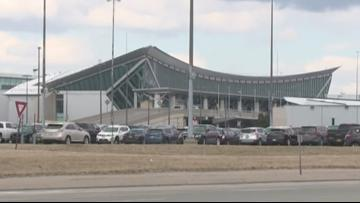 There was a brief power outage at the Buffalo airport Monday night