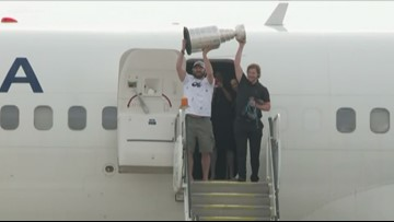 Capitals land back in DC with Stanley Cup